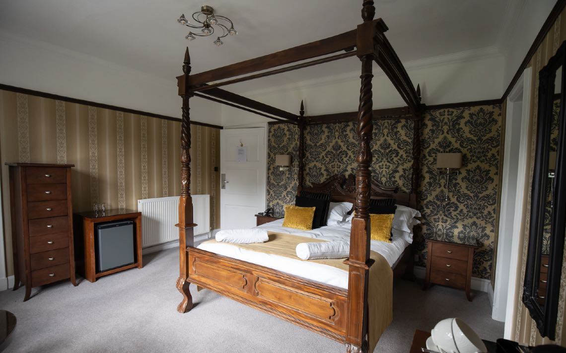 Seaview Four Poster